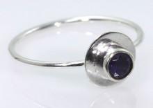 Pierścionek srebrny, rozm. 13, Iolite, 1g PRK.000.000.019.209